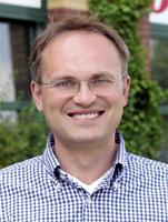 Inhaber und Apotheker Konstantin PrimbasAPONEO