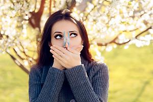 Allergien: Alles Wissenswerte, auch zu Kreuzallergien, Rhinitis und Asthma