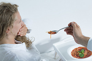 Essstörungen erkennen: Symptome, Ursachen und Behandlungsmöglichkeiten