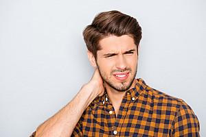 Hinterkopfschmerzen: Typische Begleiterscheinungen von Kopfschmerzen