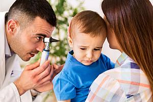 Mittelohrentzündung: Schmerzen im Ohr durch Infektion