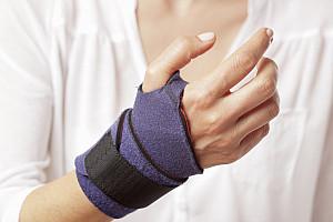 Schmerzen durch Sehnenentzündung und Karpaltunnelsyndrom - Was hilft?