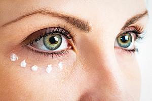 Tränensäcke und Augenringe durch Augenpflege erfolgreich behandeln