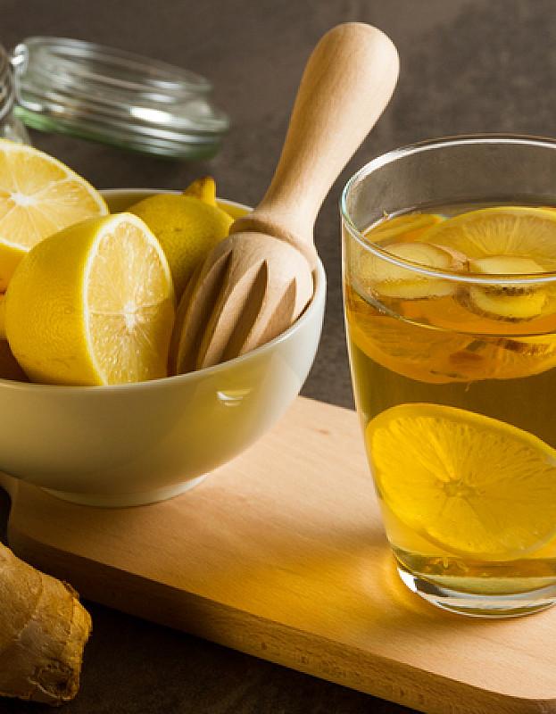 tee und vitamine helfen bei Erkältung und Erkältungskopfschmerzen