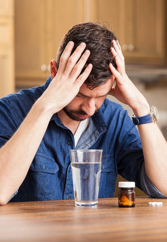 Medikamente bei Kopfschmerzen in der Stirn