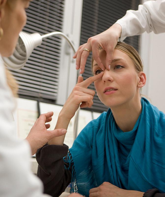 Sinusitis vom Arzt diagnostizieren lassen