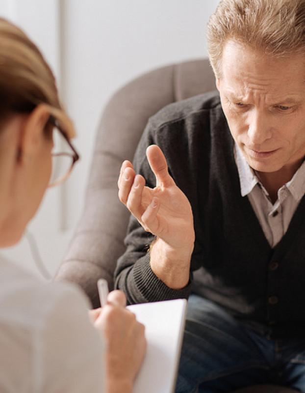 beratung durch therapeuten bei panikattacken