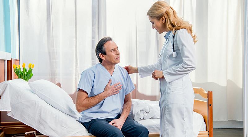 Behandlung Brustbein Schmerzen