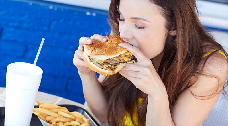 falsche und ungesunde Ernährung regen Parodontose an