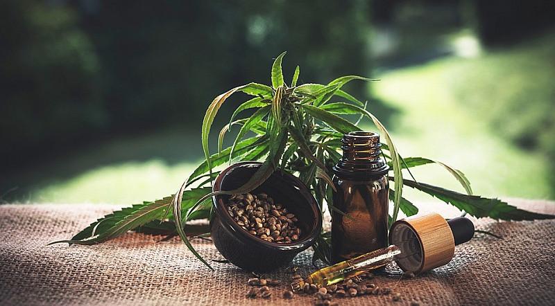 Produkte aus Hanf CBD-Öl und Hanfsamenöl