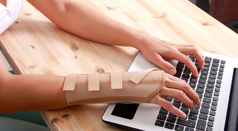arbeit am coputer fördert sehnenentzündung