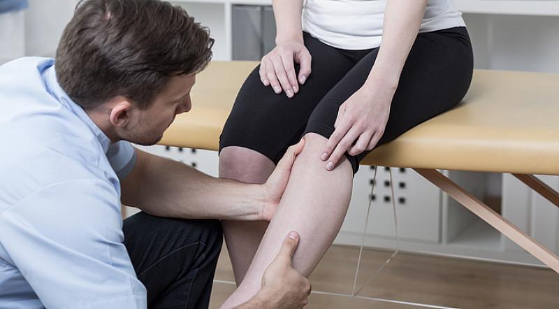 Behandlung Kniekehle und Knie