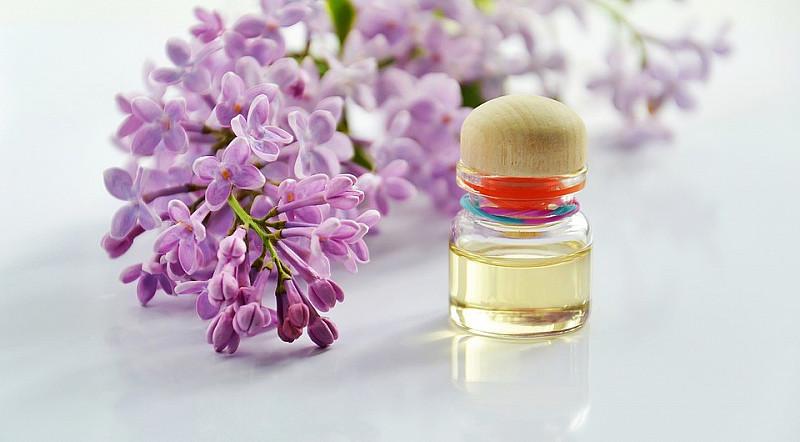 CBD-Öl findet seinen Einsatz u. a. in Kosmetika